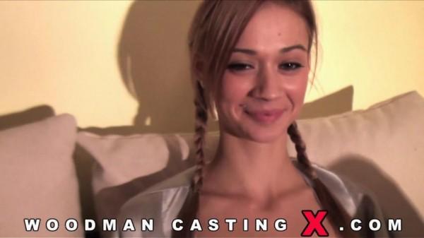 Peneloppe Ferre - Woodman Casting -